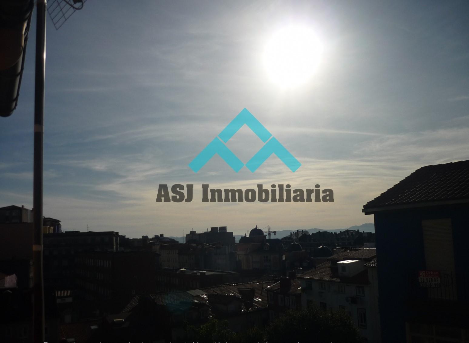 Se venden pisos en Calle África