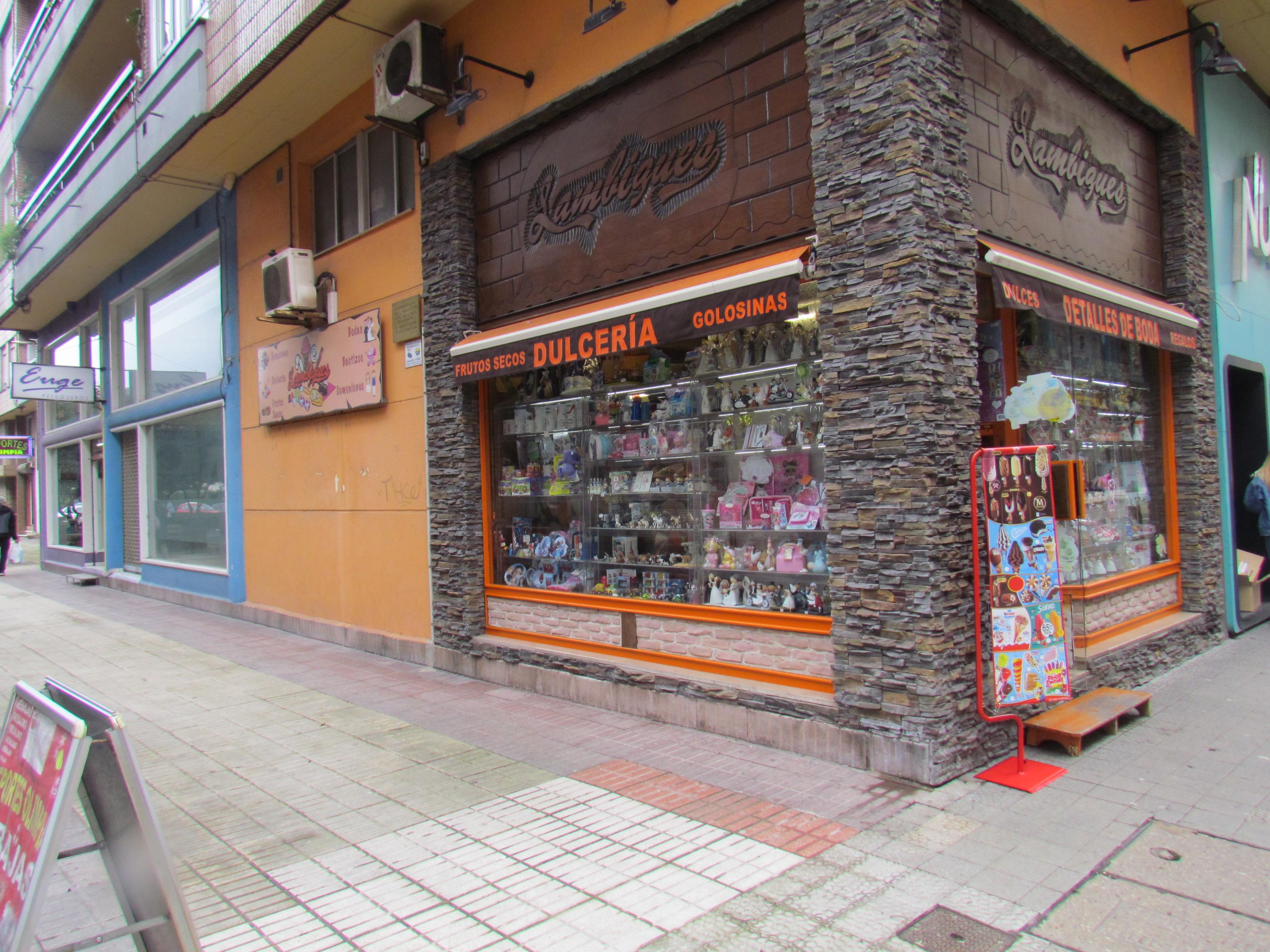 Se vende negocio en Torrelavega y alquiler de local